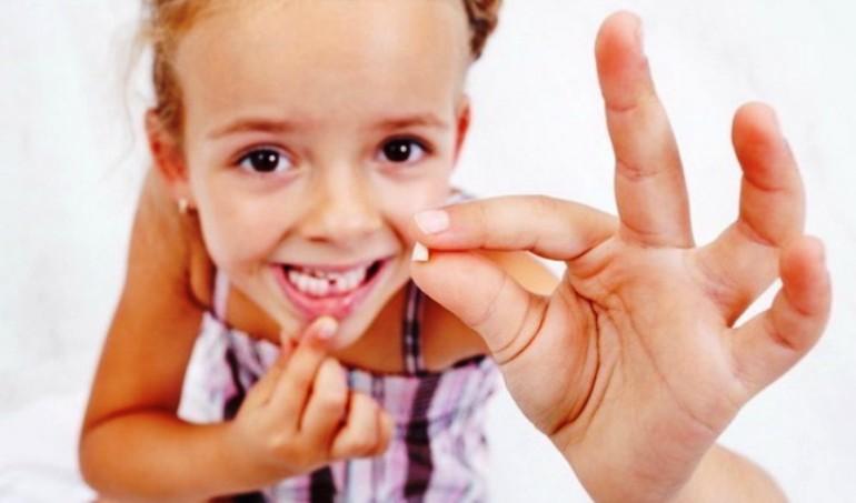 Ребенок без молочных зубов