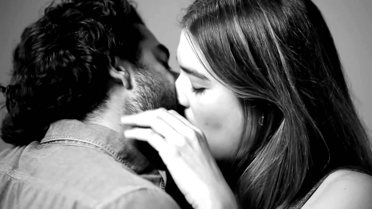 Осенний поцелуй: о пользе поцелуев для здоровья